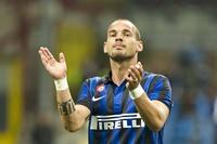 """Sir Alex: """"Man United chưa từng liên hệ đến Sneijder"""""""