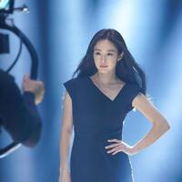 Loạt ảnh hậu trường lột trần sắc vóc của Kim Tae Hee sau 2 lần sinh nở, ''ngọc nữ xứ Hàn'' có bị thời gian bào mòn?