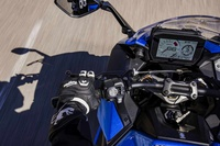 Tân binh Suzuki GSX-S1000 GT 2022 có gì để đấu với Kawasaki H2 SX?