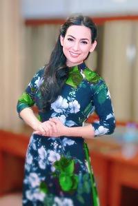 Việt Hương thay gia đình lo hậu sự cho Phi Nhung tại Việt Nam