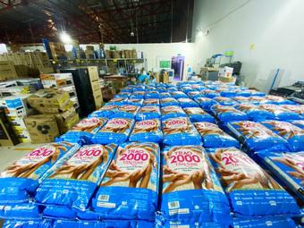 Nhân viên Thế Giới Di Động và Điện Máy Xanh háo hức với chương trình thiện nguyện trao 2000 tấn gạo