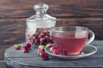 Phụ nữ sau tuổi 44 nên sử dụng 5 thức uống này để tránh tử cung lão hóa nhanh và ngăn ngừa được nhiều bệnh phụ khoa