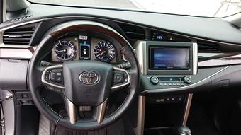 Toyota Innova bản 2.0V, xe cũ phù hợp với gia đình