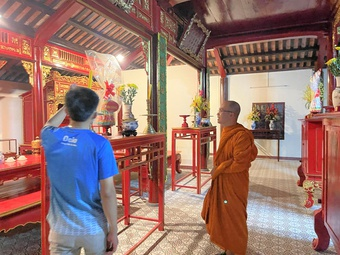 Nhà sư trẻ Minh Giải nặng lòng với văn hóa truyền thống Huế