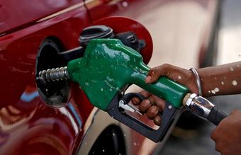 Giá dầu toàn cầu tăng cao nhất sau gần 3 năm