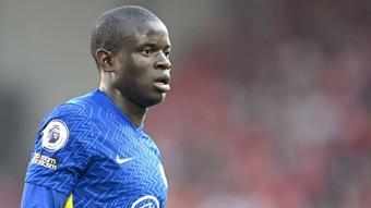 N''Golo Kante lại báo tin dữ với Chelsea