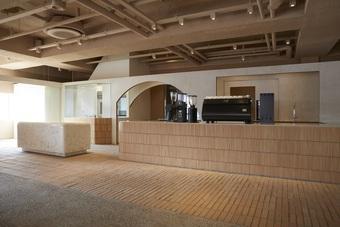 """Quán cà phê """"trên nóc nhà"""" dành 80% không gian làm vách ngăn và cửa sổ"""