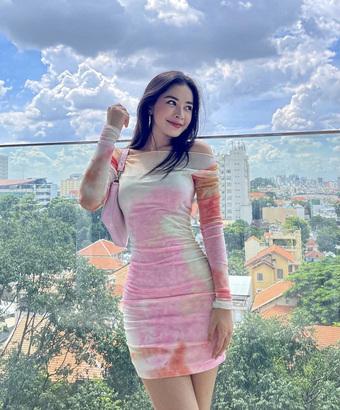 """Chi Pu 28 tuổi: Ở villa bạc tỷ có view trung tâm thành phố, mạnh tay chi 10 tỷ đồng cho 1 bộ trang sức, đồ hiệu """"dát"""" đầy người"""