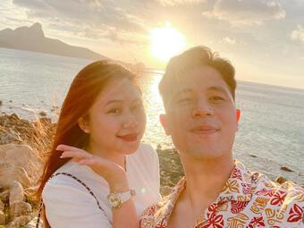 Cầu thủ Đình Trọng chúc mừng sinh nhật bạn gái, Duy Mạnh liền nhắn ''cưới đi, yêu lâu quá rồi''