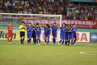 Tân HLV tuyển Thái Lan có trợ thủ đặc biệt, là người từng khiến Việt Nam vỡ mộng World Cup
