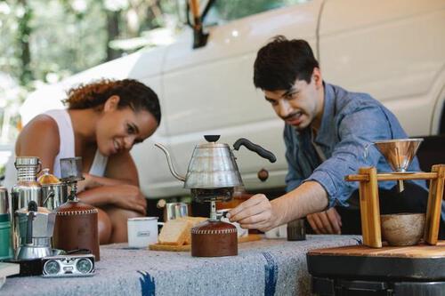 Hâm cà phê bằng lò vi sóng gây hại đến sức khỏe