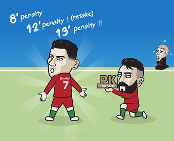 """Ảnh chế: Bruno Fernandes""""ngả mũ"""" với cú hat-trick penalty của Ronaldo"""