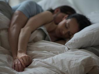 """Quan hệ tình dục kiểu này, phụ nữ dễ tổn thương tử cung, nam giới dễ hỏng """"vùng cấm"""""""