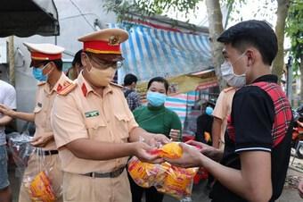 An Giang, Bến Tre tạo thuận lợi cho dân di chuyển, bảo đảm phòng dịch