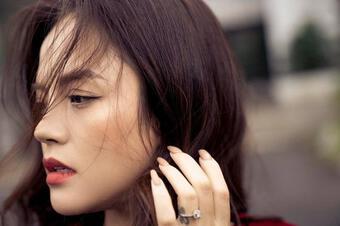 Xả vai trong 'Hương Vị Tình Thân', Thu Quỳnh khác lạ không nhận ra