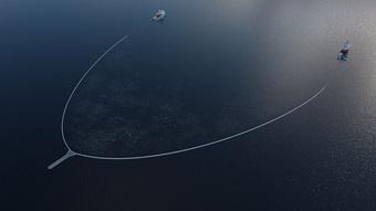 Thu gom hơn 9.000 kg rác trong mỗi chuyến đi, tấm lưới nổi dài 800m này vừa chứng minh được khả năng làm sạch đại dương của mình