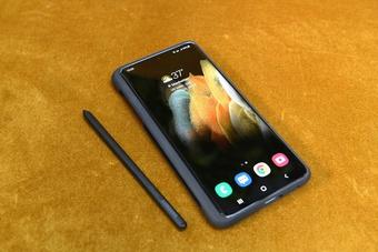 """2 smartphone có """"vũ khí"""" cực độc mà iPhone đến nay chưa từng có được"""