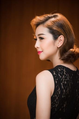 Hoa hậu Jennifer Phạm đóng bác sĩ chống Covid-19 trong phim mới