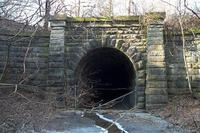 """6 đường hầm """"ma ám"""" nổi tiếng: Đốt 1 que diêm, tiếng thét thất thanh vang lên"""