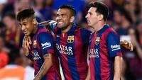 Alves nói về việc Messi, Neymar rời Barca