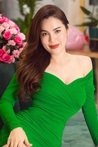 Hoa hậu ''khẩu chiến'' với Quế Vân, muốn cho Hồ Văn Cường mượn nhà: ''Tôi vừa đẹp vừa giàu, ở biệt thự 280 tỷ thì cần thêm gì nữa?''
