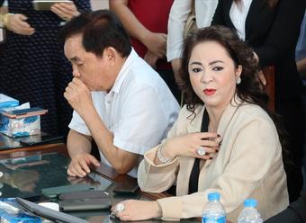 Sau nhiều tháng tố tụng, ông Võ Hoàng Yên đã có thái độ gì sau thời gian dài gặp lại bà Phương Hằng tại cơ quan công an?