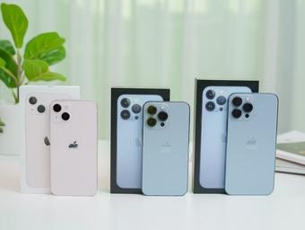 """iPhone 13 khan hàng, đại lý """"ra chiêu"""" chưa từng có tại Việt Nam"""