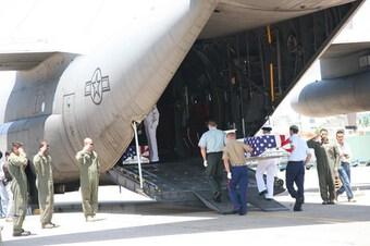 Bàn giao 4 bộ hài cốt quân nhân Hoa Kỳ mất tích trong chiến tranh