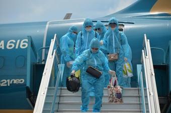 Vì sao nhóm hành khách gia đình có trẻ nhỏ không thể đi máy bay?