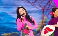 Giọng ca Huế Vân Khánh kể chuyện 'ma cũ bắt nạt ma mới' khi vào Nam lập nghiệp