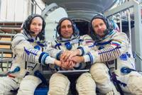 Nhóm làm phim Nga trở lại trái đất sau 12 ngày thực hiện cảnh quay trên quỹ đạo