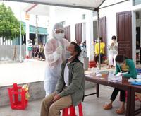 Nam Định tiếp tục ghi nhận 3 ca dương tính SARS-CoV-2, xét nghiệm thần tốc cho hơn 90.000 người dân