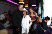 Loạt sao hải ngoại hội ngộ trong tiệc sinh nhật của ca sĩ Cam Thơ