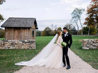 Khoe ảnh cưới lung linh và chia sẻ về ''khó khăn'' của đám cưới 45 tỷ, con gái Bill Gates bị mỉa mai ''Con nhà giàu dẫm gai mùng tơi''