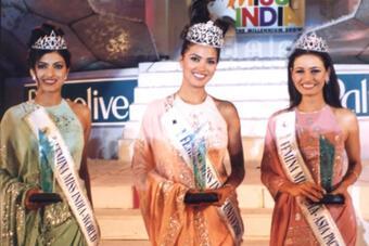 Siêu hoa hậu thi 5 cuộc thắng cả 5, ứng xử 9.95 xuất chúng