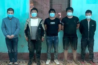 Bắt giữ đối tượng vận chuyển 4 người đàn ông Trung Quốc nhập cảnh trái phép vào Việt Nam