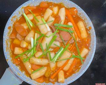 Tận dụng cơm nguội còn dư chế biến món bánh gạo tokbokki siêu ngon, siêu dễ !
