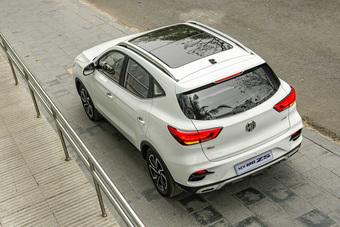 MG ZS giảm giá mạnh còn dưới 500 triệu đồng: Cạnh tranh Kia Seltos nhưng rẻ hơn Sonet bản tiêu chuẩn