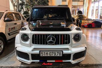 Tạm ''chán'' 4 bánh, Minh Nhựa chơi hẳn ''8 bánh'' nhưng vẫn không quên lấy chiếc Mercedes-AMG G 63 làm nền để ''sống ảo''