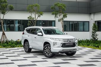 Giá xe Mitsubishi Pajero Sport tháng 10/2021, ưu đãi 50% lệ phí trước bạ