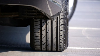 Những dấu hiệu cảnh báo lốp xe ô tô không cân bằng