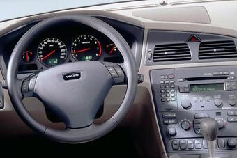 Triệu hồi Volvo vì lỗi túi khí, tương tự với tình trạng của túi khí Takata