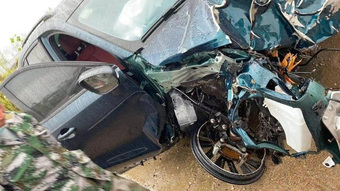 ''Maserati Trung Quốc'' Dongfeng T5 EVO gặp sự cố trong lúc chạy 120km/h, cộng đồng mạng ''há hốc'' khi thấy thiệt hại sau tai nạn