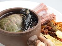 Món canh đặt cược mạng sống của dân sành ăn, du khách thấy mà run