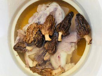 Nấm bụng dê được ví như vua của các loại nấm nhưng không phải ai cũng biết để thưởng thức