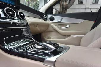 Có thêm bản AMG, Mercedes-Benz C 180 bản thường chạy lướt hạ giá ngang Toyota Camry
