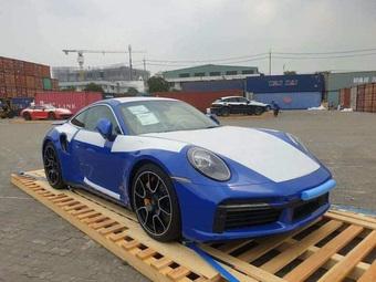 Từng ''ở ẩn'' khỏi giới chơi xe, đại gia kín tiếng trở lại với Porsche 911 Turbo S 2021 mang gói option tiền tỷ tại Việt Nam