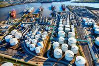 Giá xăng dầu hôm nay 26/10: Tiếp tục tăng cao, giá xăng tại Việt Nam chiều nay sẽ tăng mạnh?