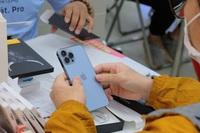 """""""Cơn khát"""" iPhone 13 tại Việt Nam sẽ kéo dài bao lâu?"""