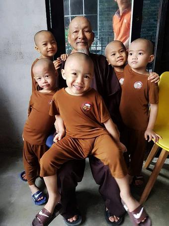 """Ông Lê Tùng Vân, người đứng đầu """"Tịnh thất Bồng Lai"""" khẳng định cả một đời tu, không vợ không con"""